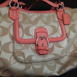 COACH Campbell Signature Belle Carryall f25294